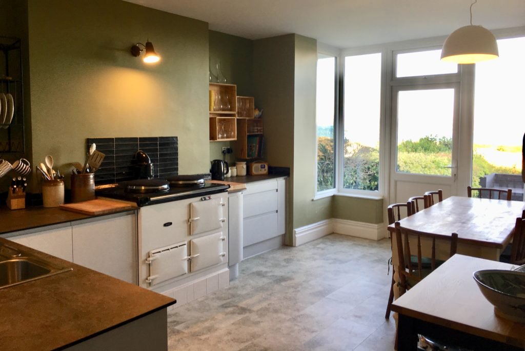 Kitchen at Aberdovey holiday house rental - Hafod Arfor